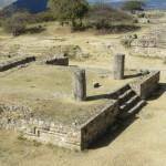 Monte Alban - ehemalige Säulenhalle
