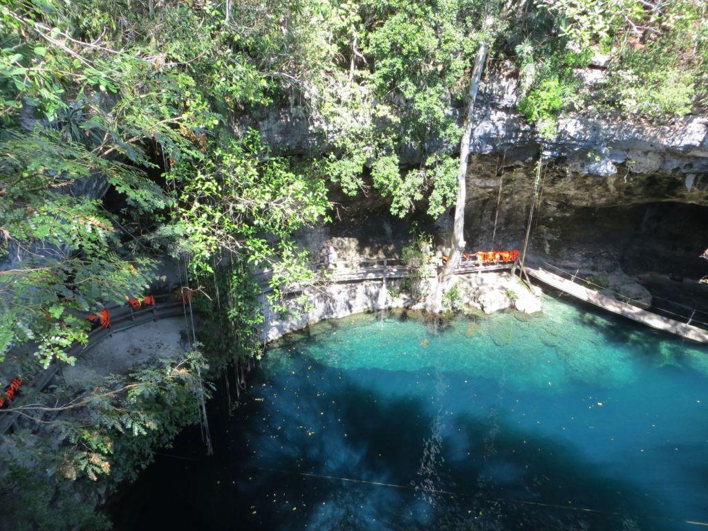 025-11 Cenote X'Canchè - Wassertiefe 30m
