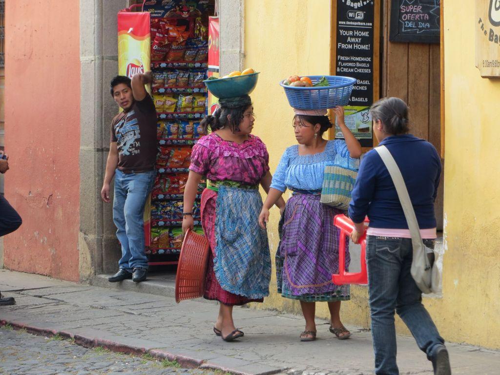 029-16 Antigua – Straßenszene « Der Reiseblog.