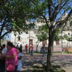 Leon - Parque Central und Kathedrale