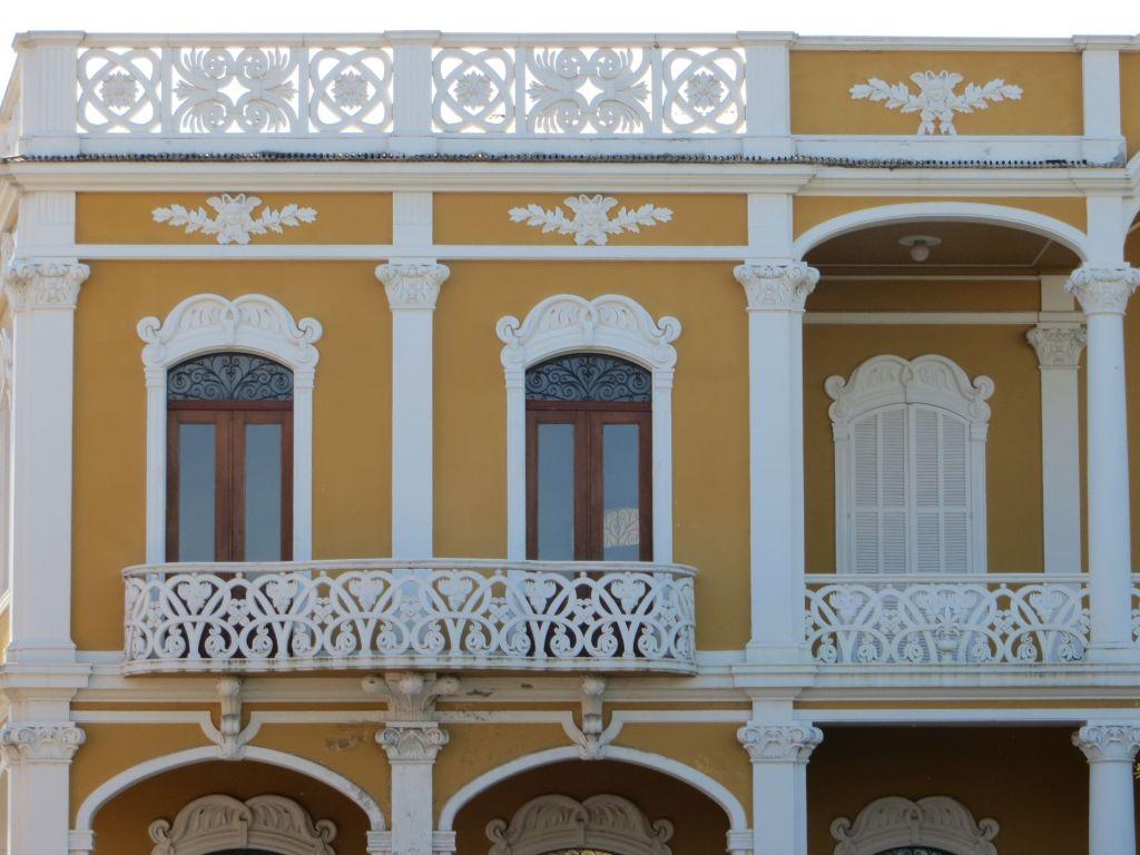 035-13 Granada.- Hausfassade