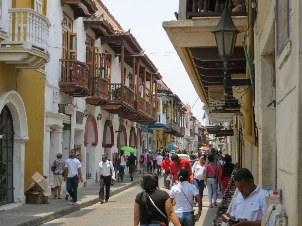 038-02 Cartagena - Schön sanierte Straßenzüge