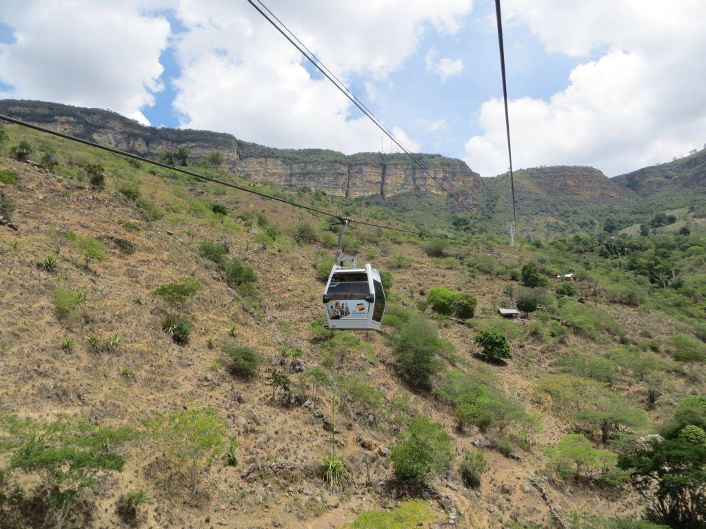 038-20 Panachi Nationalpark - Mit der Seilbahn über Felsen und Kakteenwälder