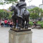 Medellin - Plaza Botero. Ein Botero steht auch in Berlin in der Nähe vom Brandenburger Tor.