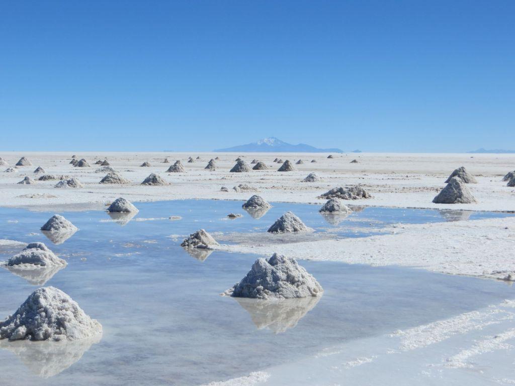 039-27 Uyuni - Salzgewinnung auf der Salzfläche