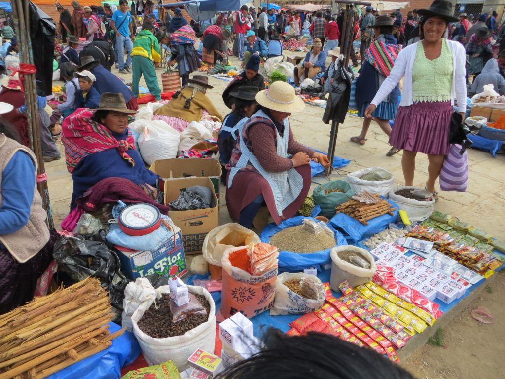 039-49 Sonntagsmarkt in Tarabuco