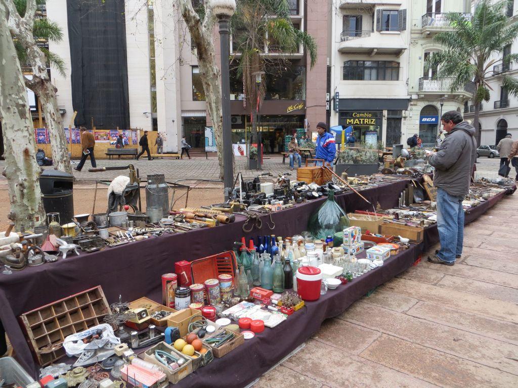 043-05 Montevideo - Plaza Constitution, Trödelmarkt